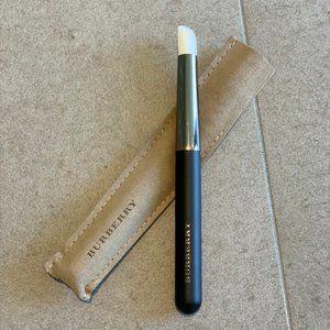 NWOT Burberry Concealer brush